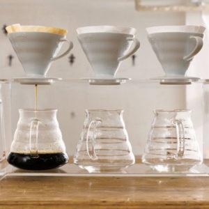 DRIPPER-V60-CÉRAMIQUE-BLANCHE-2--1-4-TASSES-Café-d'Oriant-artisan-torrefacteur-lorient